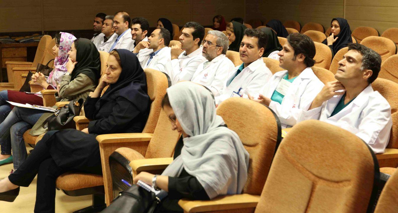 سمینار یک روزه عفونت های شایع بعد از پیوند قلب در مرکز قلب و عروق شهید رجایی